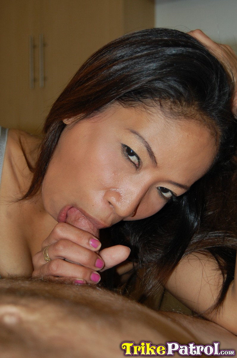 Amateur chinese milf and big young girl she 3