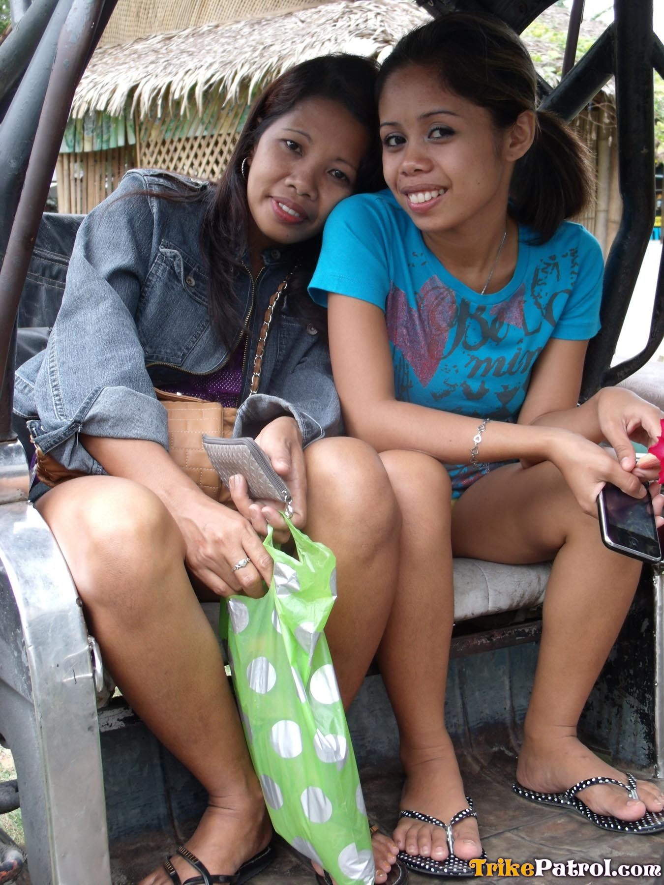 Filipina lesbian bar girl