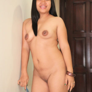 Naked Mature Filipina in hotel