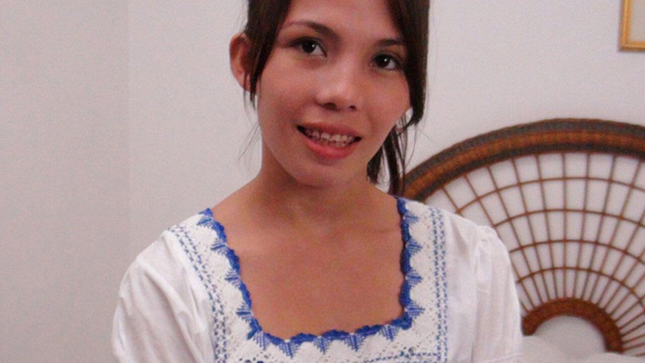 Cute Asian teen girl gets creampied