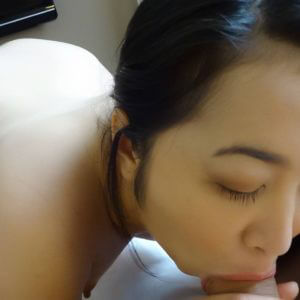 Asian babe deepthroating cock