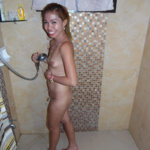 Horny Filipina in the shower