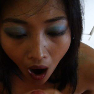 Pinay with open mouth ready for cumshot