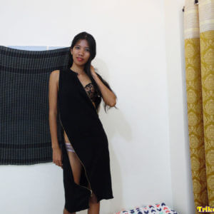 Pinay babe in black dress
