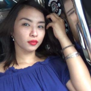 Sexy Filipina in Trike ride