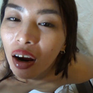 Filipina swallows stranger's cum