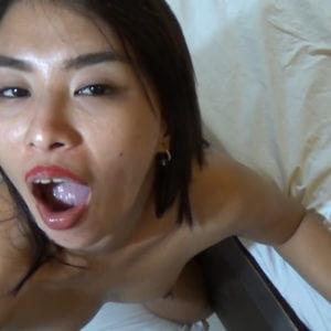 Filipina swallows large amount of semen