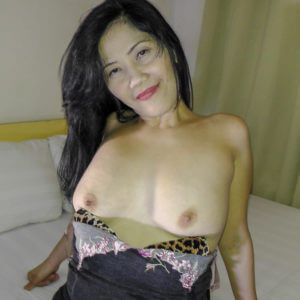 Mature Saggy Boobs MILF topless in hotel