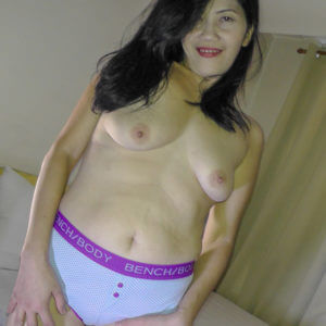 Mature Saggy Boobs Pinay in panties